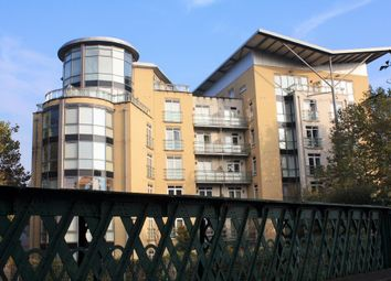 Thumbnail 3 bed flat to rent in The Meridian, Kenavon Drive, Reading, Berkshire