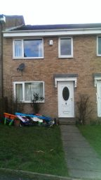 Thumbnail 3 bedroom terraced house to rent in Darley Road, Liversedge