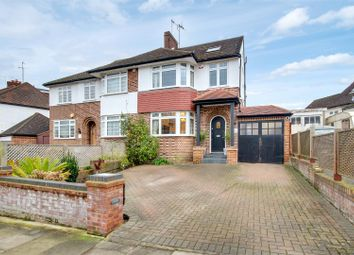 4 bed property for sale in Uplands Way, London N21