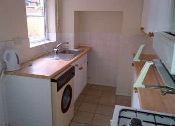 3 bed property to rent in Cradock Road, Clarendon Park, Leicester LE2