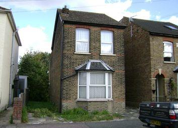 Thumbnail 1 bedroom maisonette to rent in Willow Street, Romford