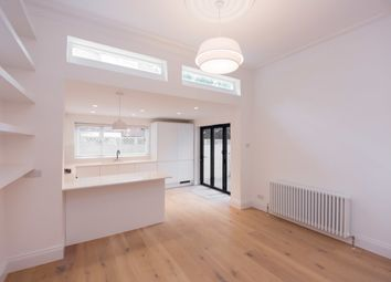 Thumbnail 2 bed flat to rent in Glenloch Road, Belsize Park