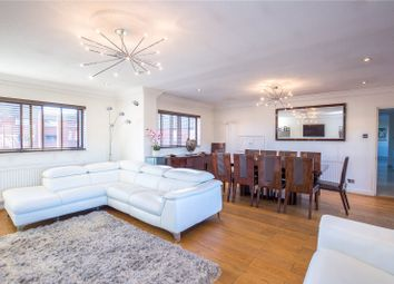 Thumbnail 3 bedroom flat for sale in Spencer Close, Finchley, London