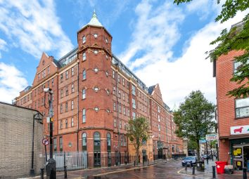 Thumbnail 3 bed flat to rent in Fieldgate Street, London, Greater London