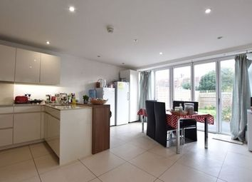 4 bed property to rent in Emerald Sqauare, Putney, London SW15