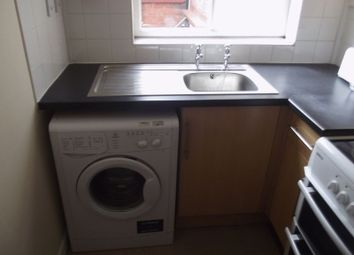 Thumbnail 1 bed flat to rent in Cedar Road, Leicester