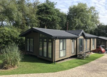 Thumbnail 2 bed mobile/park home for sale in Haldon Lodge Park, Haldon Hill, Kennford, Exeter