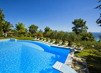 Thumbnail 5 bed town house for sale in Pesaro, Province Of Pesaro And Urbino, Italy