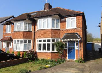 4 bed property for sale in The Birches, London N21