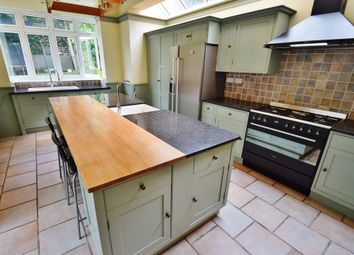 Thumbnail 5 bedroom property to rent in Hodford Road, London