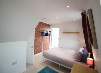 Thumbnail 4 bed shared accommodation to rent in Commercial Road, Limehouse