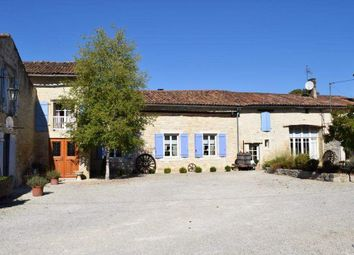 Thumbnail 8 bed country house for sale in 16700 Ruffec, France