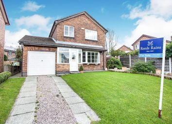 Thumbnail 4 bed detached house for sale in Lincoln Way, Glossop