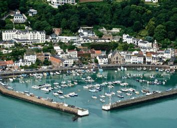 Thumbnail Property to rent in La Neuve Route, St. Brelade, Jersey