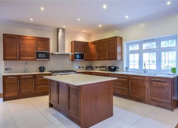 Thumbnail 7 bed detached house to rent in Broughton Avenue, Finchley