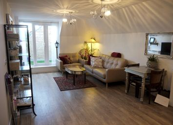 Thumbnail 2 bedroom flat to rent in Knightsbridge Court, Bromley