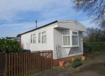 Thumbnail 1 bed mobile/park home for sale in Laburnum Court, Smallfield, Horley