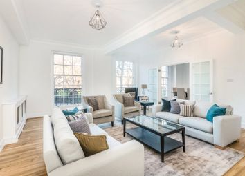 Thumbnail 4 bed flat to rent in Grosvenor Square, Mayfair, London