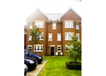 Thumbnail Room to rent in Smiles Place, Woking, Woking