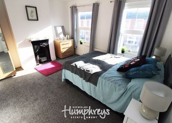 Thumbnail Room to rent in Room 4 - Grange Avenue, Reading