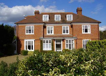 Thumbnail 2 bed flat to rent in Hawkwood Rise, Bookham, Leatherhead