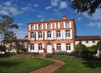 Thumbnail 10 bed country house for sale in St-Nicolas-De-La-Grave, Tarn-Et-Garonne, Occitanie, France