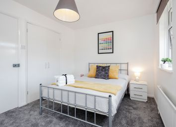 Thumbnail Room to rent in Sterling Place, London