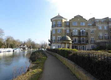 Thumbnail 2 bed flat to rent in Regents Riverside, Brigham Road, Reading