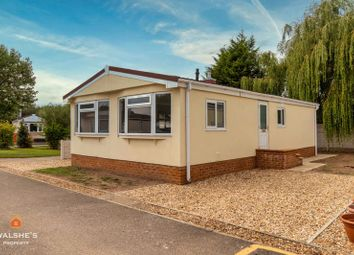 Thumbnail 2 bed mobile/park home for sale in Acacia Avenue, Poplars Mobile Homes, Charnwood Park Estate, Scunthorpe