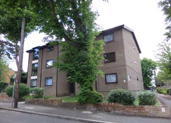 Thumbnail 2 bed flat to rent in Hurst Road, South Croydon, Surrey