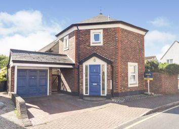 Rochford, Essex SS4. 2 bed detached house