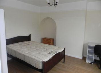 Thumbnail Room to rent in Ashenden Road, Guildford