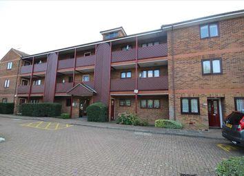 2 bed property for sale in Moatfield Road, Bushey WD23.