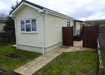Thumbnail 1 bed mobile/park home for sale in Strande Park, Cookham, Maidenhead, Berkshire