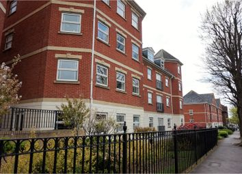 Thumbnail 2 bed flat for sale in Chatsworth Square, Hove