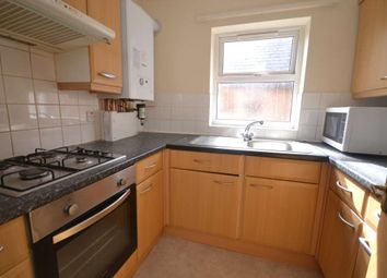 Thumbnail 2 bed flat to rent in Lynmouth Road, Reading
