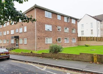 Thumbnail 2 bed flat to rent in Woodlands Road, Redhill