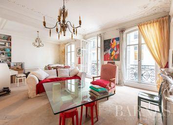 Thumbnail Apartment for sale in Paris 8th (Faubourg-Du-Roule), 75008, France