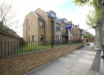 Thumbnail 1 bed flat to rent in Clifden Road, Twickenham
