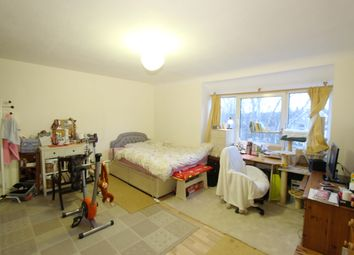 Thumbnail 2 bedroom flat for sale in Linden Grove, New Malden