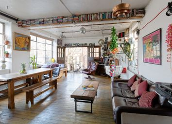 Serviced flat to rent in Bevenden Street, London N1