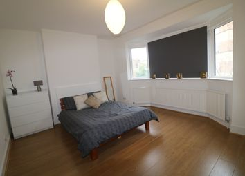 4 bed maisonette to rent in Felsberg Road, London SW2