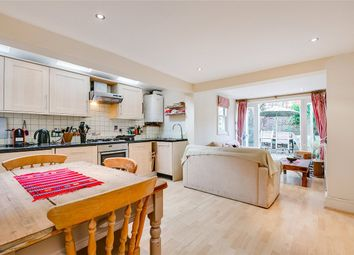 2 bed flat to rent in Gilstead Road, London SW6
