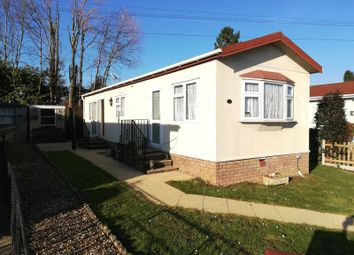 Thumbnail 2 bedroom mobile/park home for sale in The Triangle, Woodlands Park, Almondsbury