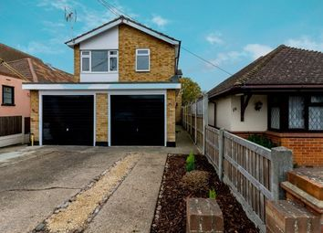 2 bed flat to rent in Woodfield Road, Hadleigh, Benfleet SS7