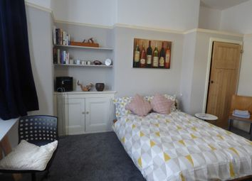 Room to rent in Alexandra Road, Mutley, Plymouth PL4