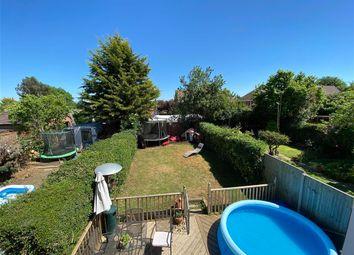 Evenden Road, Meopham, Kent DA13. 3 bed terraced house