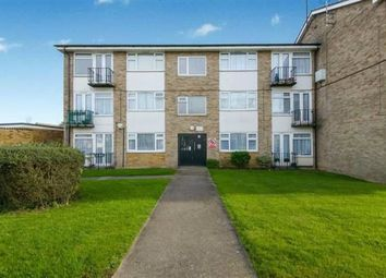 Worcester Drive, Rayleigh, Essex SS6. 2 bed flat