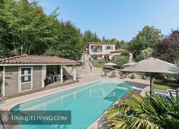 Thumbnail 4 bed villa for sale in Les Hauts De Saint Paul, St Paul De Vence, French Riviera