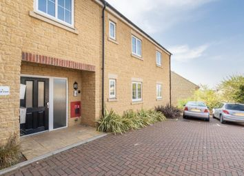 Thumbnail 2 bed flat for sale in Habgood Court, Faringdon